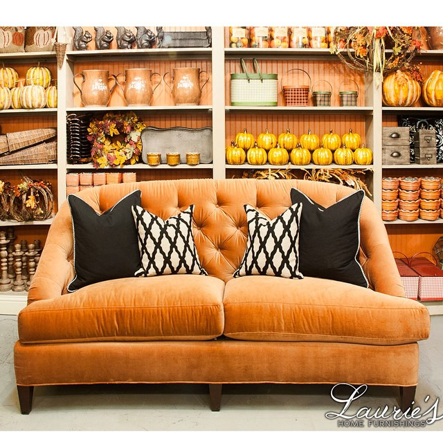 Who could be sad about the end of summer with all of this golden orange goodness?!? Go to the blog for more! Link in profile. #laurieshomefurnishings #fall #falldecor #home #decor #orange