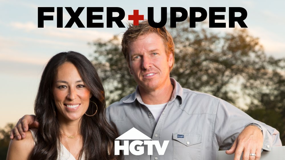 tune in to 39 fixer upper 39. Black Bedroom Furniture Sets. Home Design Ideas